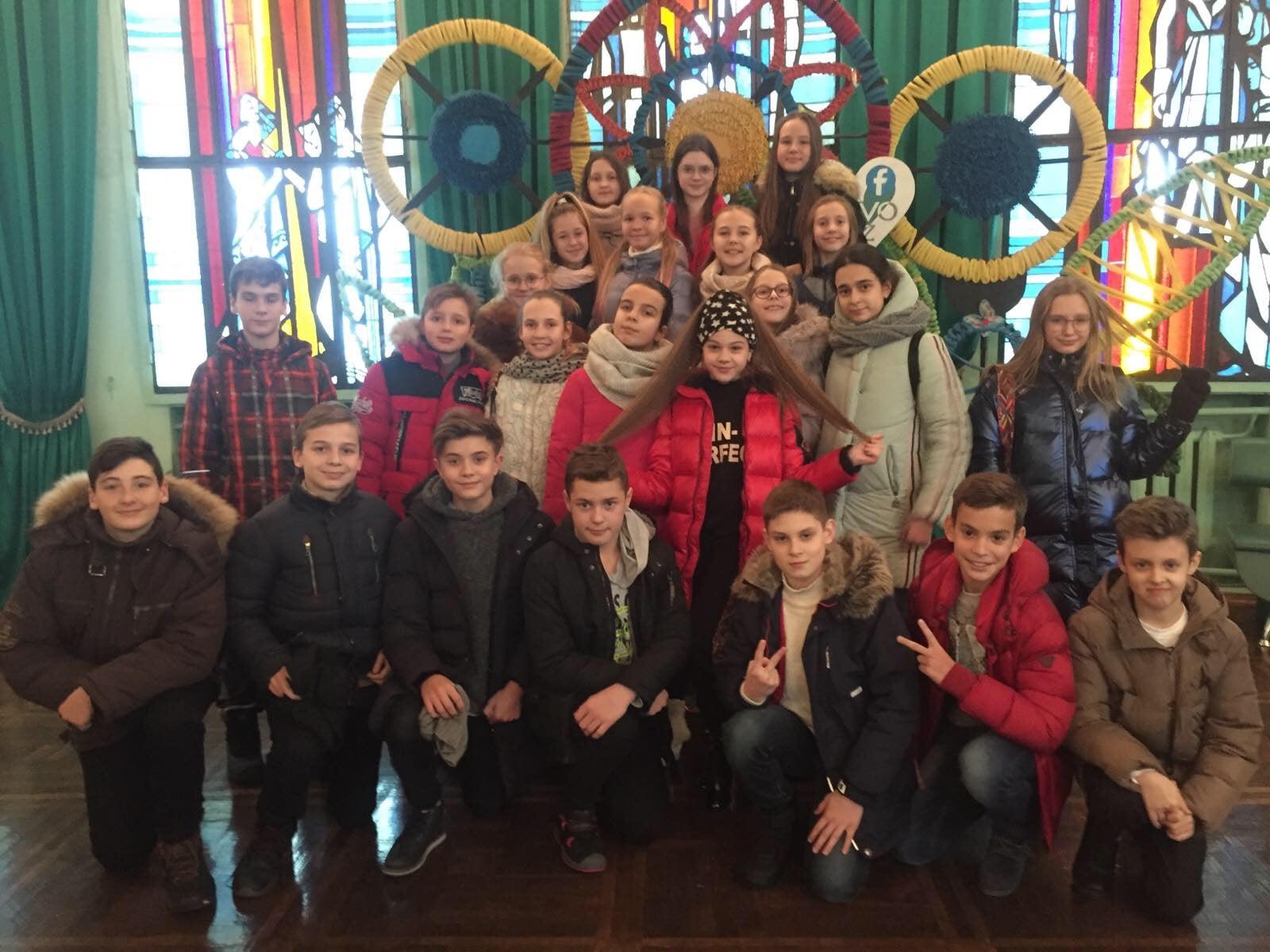 http://kharkivschool3.at.ua/novs/2019-2020/12/61A71CB5-6085-4228-8849-4C95045A567B-min.jpeg