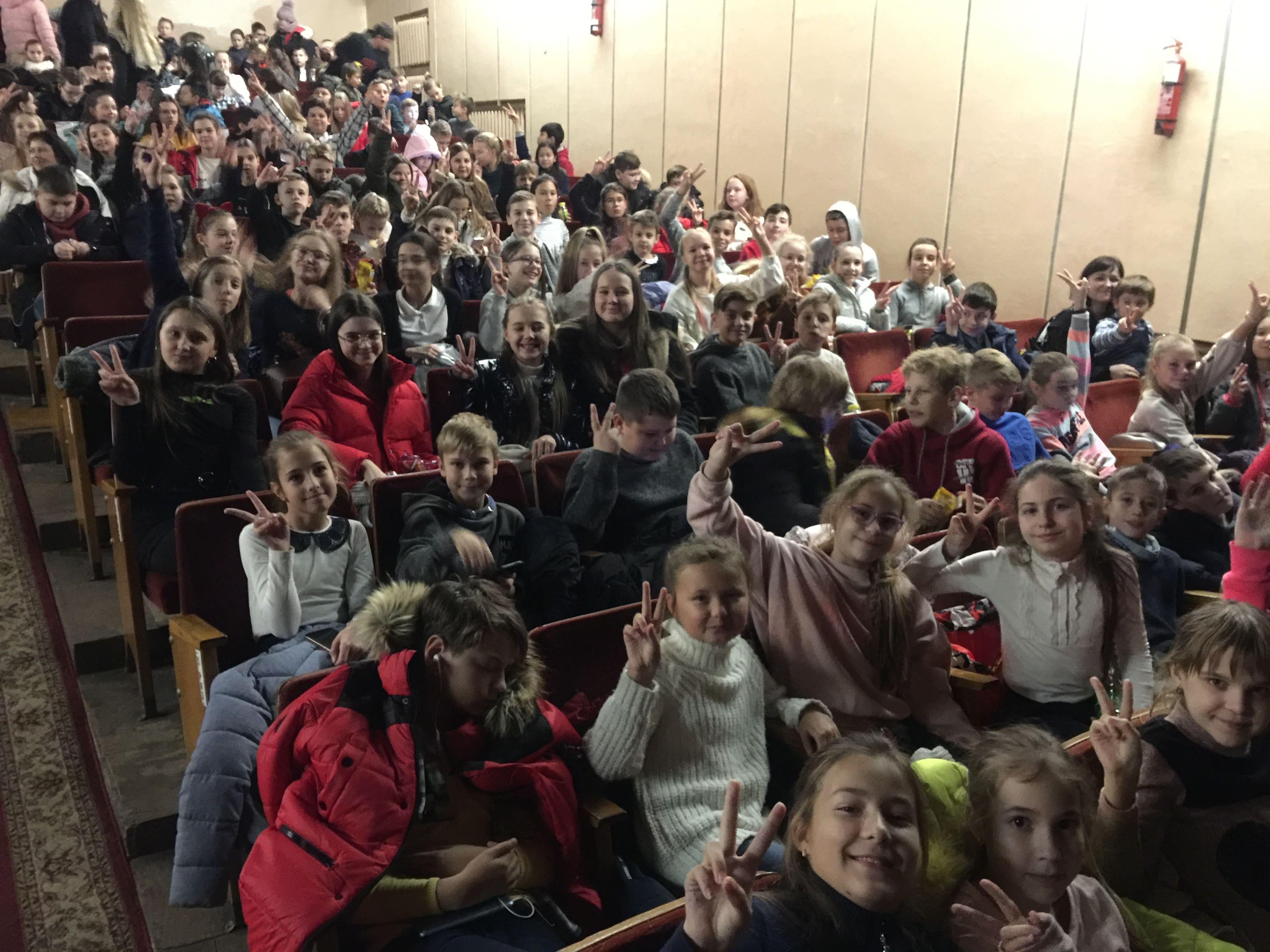 http://kharkivschool3.at.ua/novs/2019-2020/12/E76012B9-6415-4EA7-87AE-978F9D57C935-min.jpeg